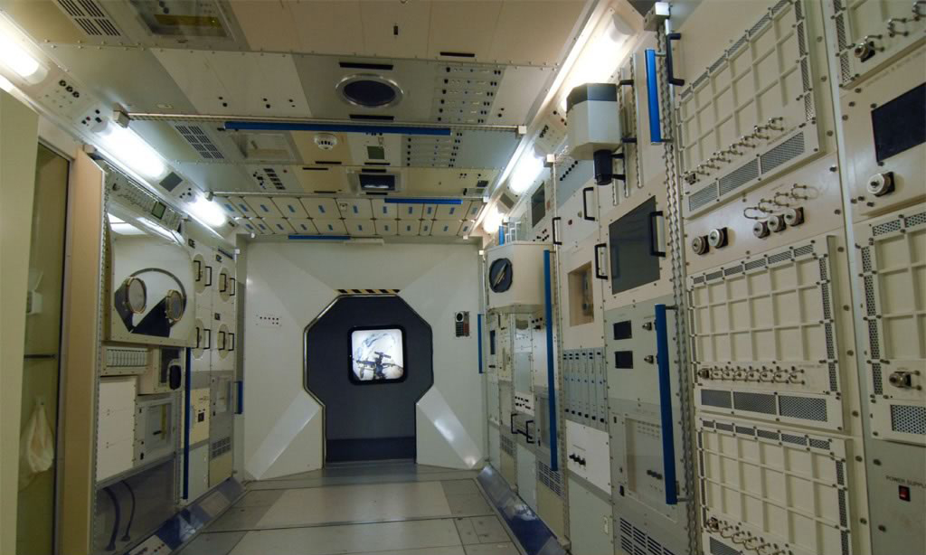 inside space station images - photo #24